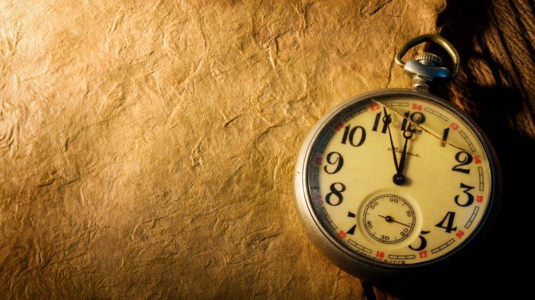 04 04 Saat Anlamı