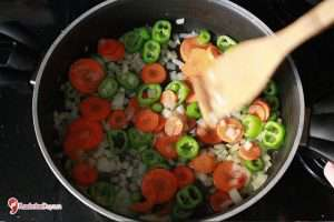 Sebzeli Bulgur Pilavı Tarifi