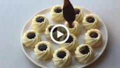 Çikolata Dolgulu İrmik Tatlısı