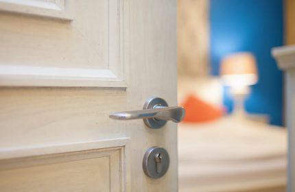 Uyumadan Önce Yatak Odanızın Kapısını Kapatmanın Hayatınızı Kurtarabileceğini Biliyor Muydunuz?